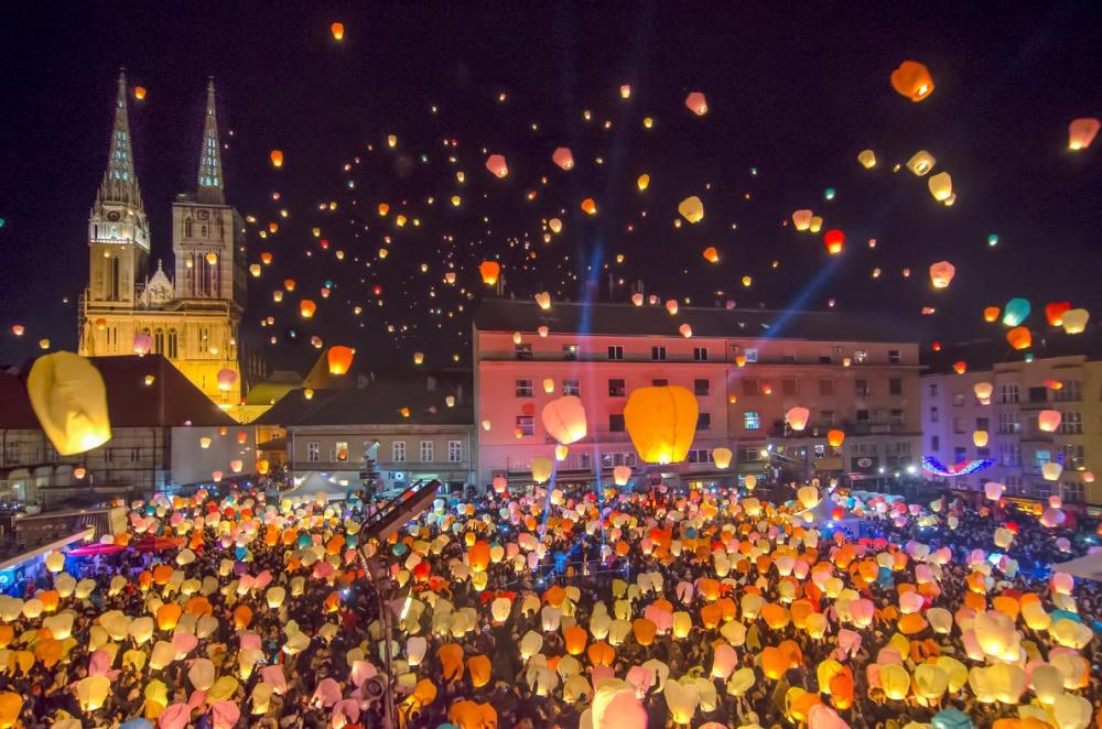 217955-1000-1451334853-zagreb-christmas-market-european-best-destinations